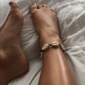 Super cute shell anklet